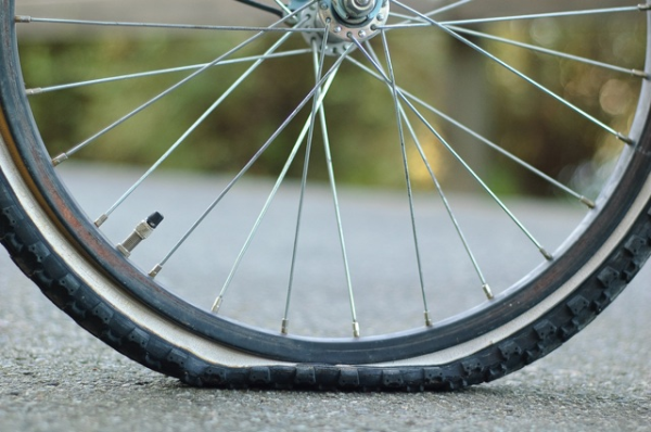 flat_bicycle_tire-resized-600