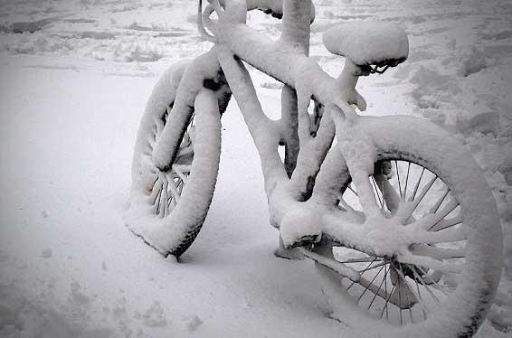 bikecoveredinsnow