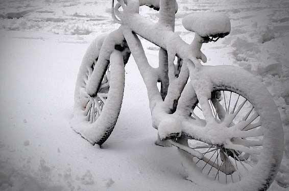 bikecoveredinsnow